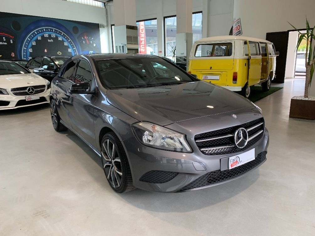 MERCEDES-BENZ A 180 CDI Night Edition